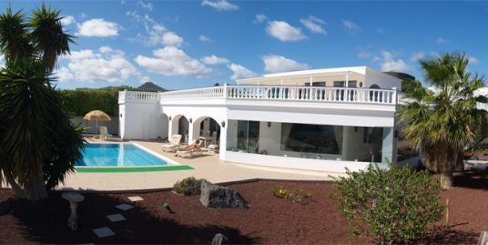 Villa in Puerto Calero for sale, ref. 1283