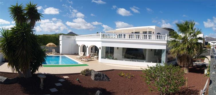 1283 Villa in Puerto Calero