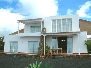 Modern House  in Coníl, Lanzarote, ref. 0102