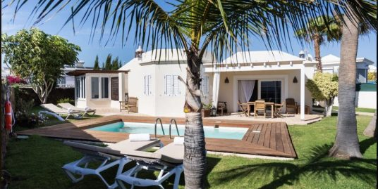 Luxury Villa for sale in Puerto del Carmen, ref.0305