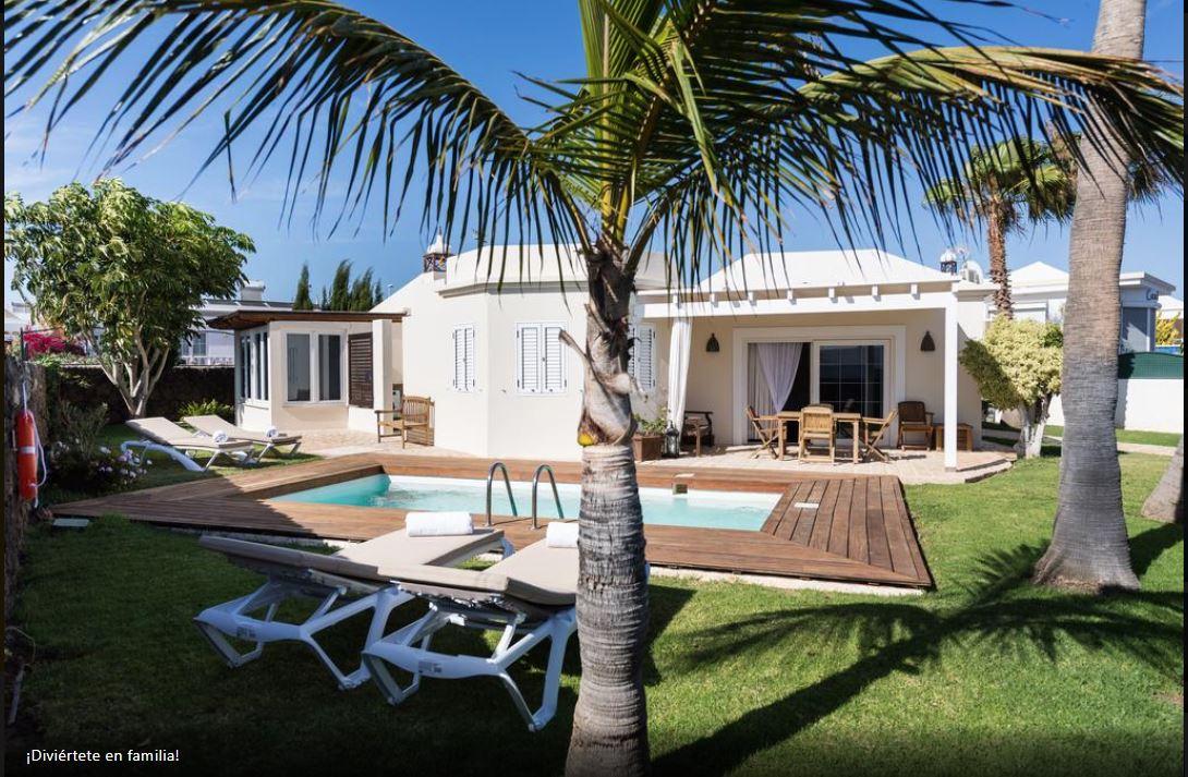 Luxury Villa for sale in Puerto del Carmen, ref.0305