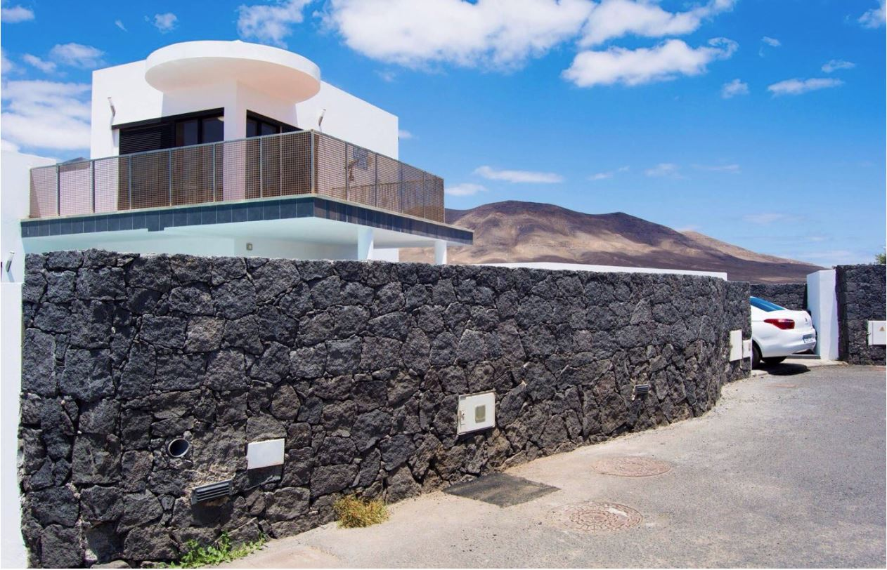 Villa for sale in Playa Blanca ref. 0306