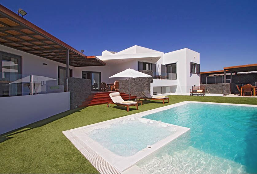 Ultra modern villa for sale ,ref.0308