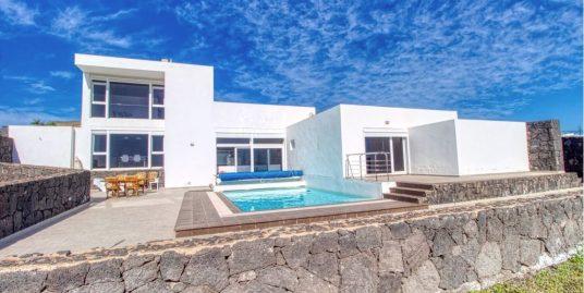Beautiful modern Villa in Macher, ref. 0317