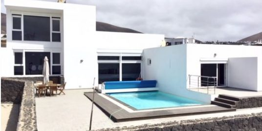Beautiful modern Villa in Macher, ref. 0317