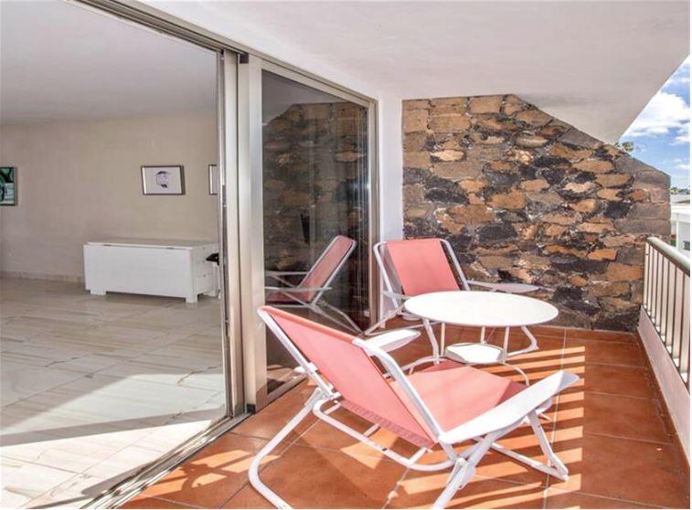 immaculate one bedroom apartment in Puerto del Carmen, ref.0323