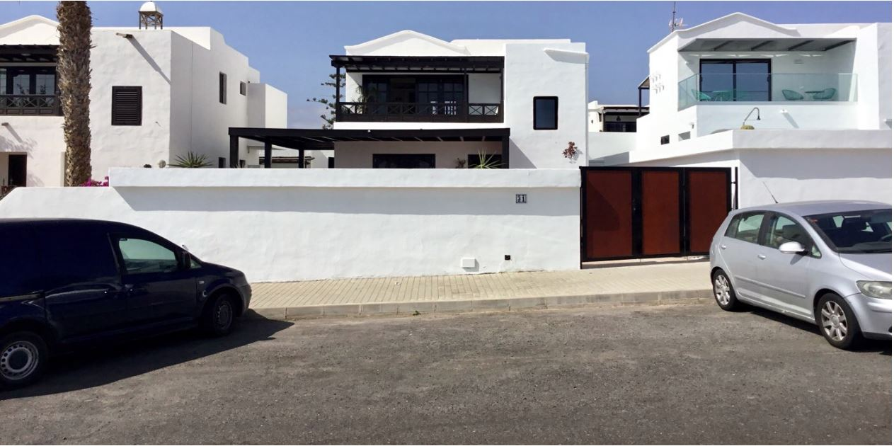 two storie Villa for sale in Puerto del Carmen, ref.0325