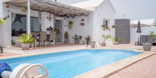 Immaculate villa for sale in Los Mojones, ref. 0338