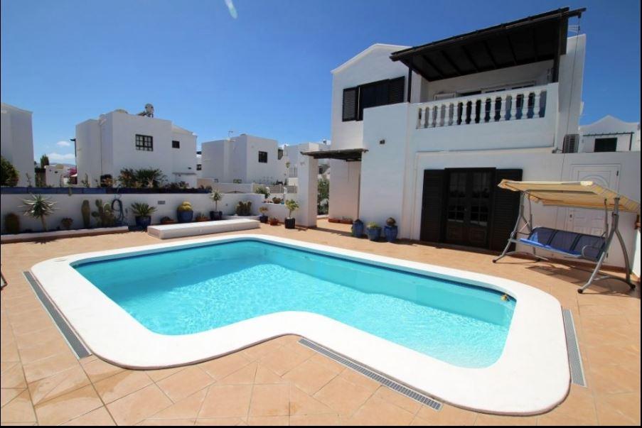 Magnificent Villa for sale in Pto.del Carmen, ref. 0337