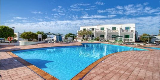 1 bedroom apartment with beautiful views , ref 342