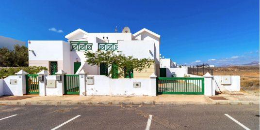 Semi detached Villa for sale in Matagorda, ref. 0360