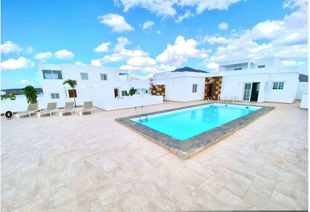 3 bedroom house in Playa Blanca for sale, ref. 0369