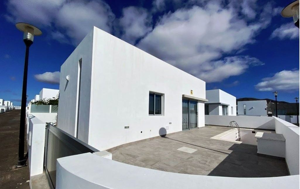 3 bedroom house for sale in Playa Blancacasasblancas