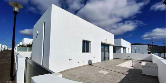 3 bedroom houses for sale in Playa Blanca , ref.0374