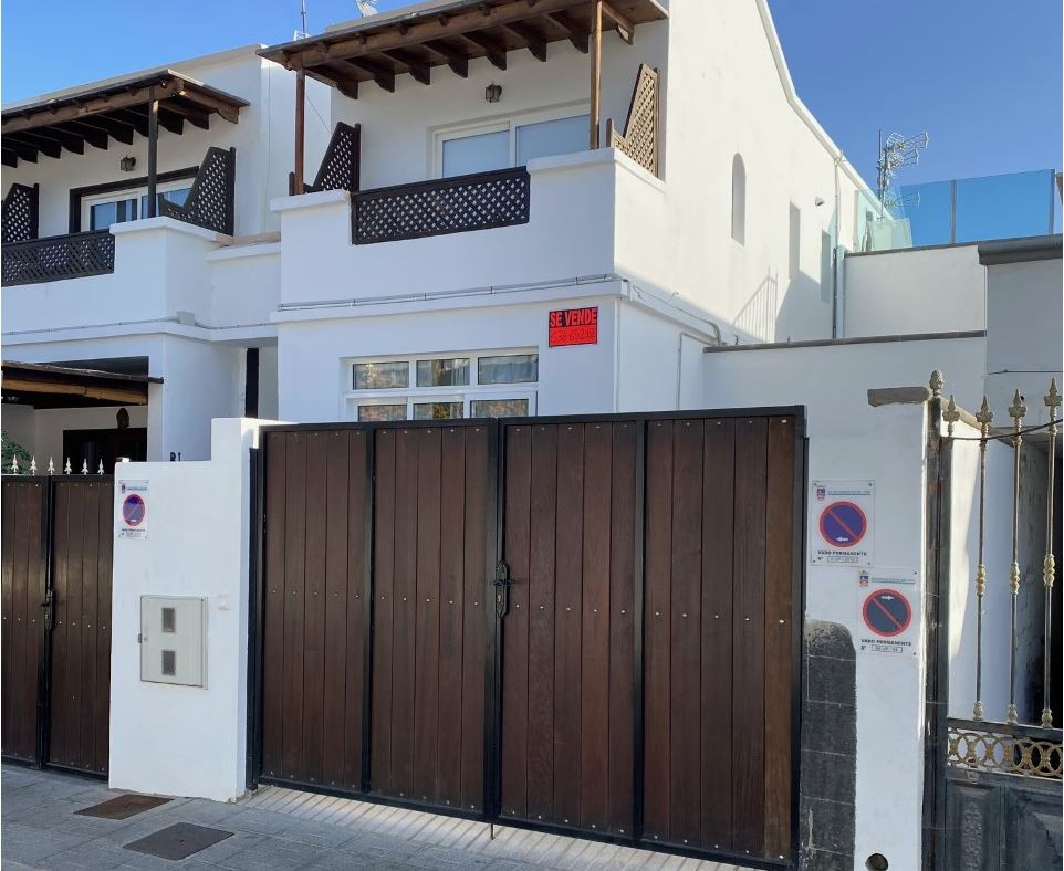 Duplex for sale in Playa Chica , ref. 0366