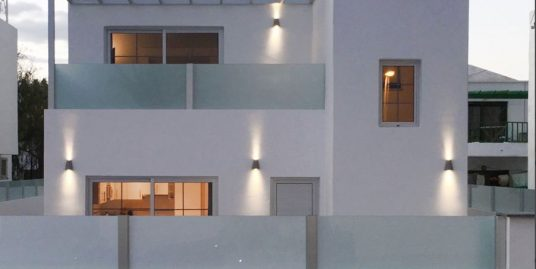 Beautiful Villa with great rental potential , ref. 0388
