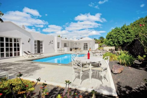 Beautiful villa for sale in Los Mojones casasblancas